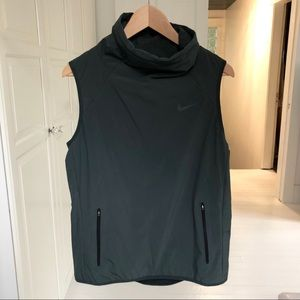 Nike areolayer funnel neck running vest